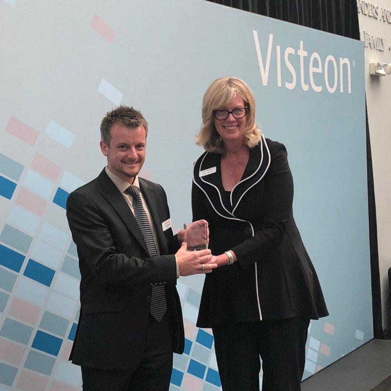 够力拉AG玻璃战略合作伙伴荣获伟世通供应商奖